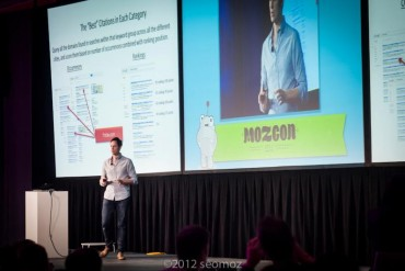 darren-speaking-at-moz-con